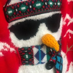 Selling adorable Christmas sweater. Worn once.